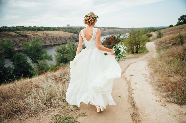 Πώς να διαλέξετε τα κοσμήματα που θα φορέσετε στο γάμο σας 2bfebc51534